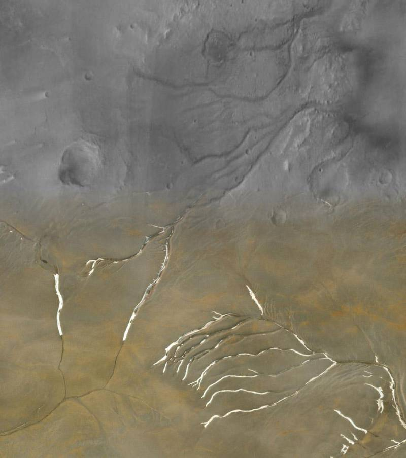 Collage showing Mars's Maumee valleys (top half) superimposed with channels on Devon Island in Nunavut (bottom half.) The share of the channels, as well as the overall network appears almost identical. Courtesy Cal-Tech CTX mosaic and MAXAR/Esri