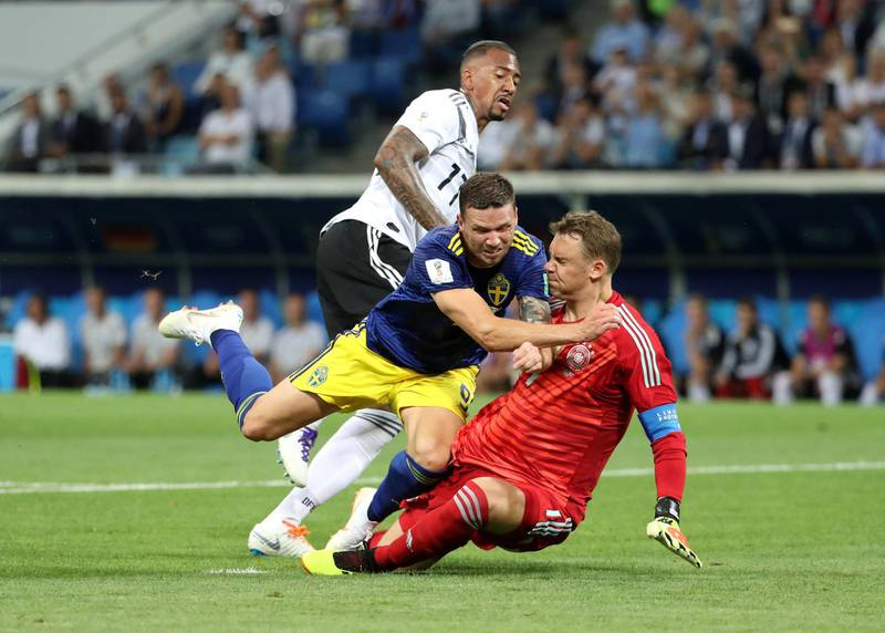 Soccer Football - World Cup - Group F - Germany vs Sweden - Fisht Stadium, Sochi, Russia - June 23, 2018   Sweden's Marcus Berg in action with Germany's Manuel Neuer and Jerome Boateng    REUTERS/Francois Lenoir     TPX IMAGES OF THE DAY