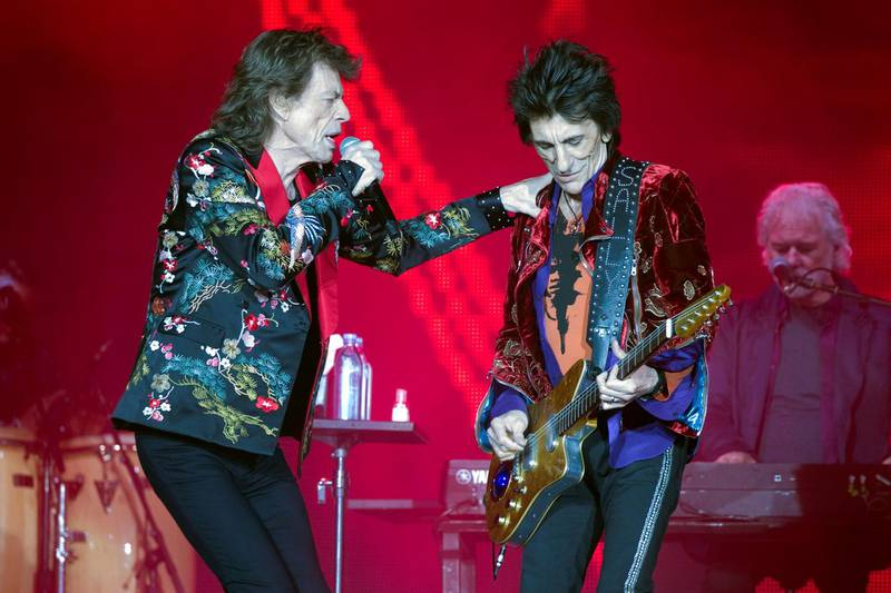 """Mick Jagger and Ron Wood of the Rolling Stones perform during a concert of their """"No Filter"""" European tour at the new U Arena stadium in Nanterre near Paris, France, October 19, 2017. REUTERS/Charles Platiau"""