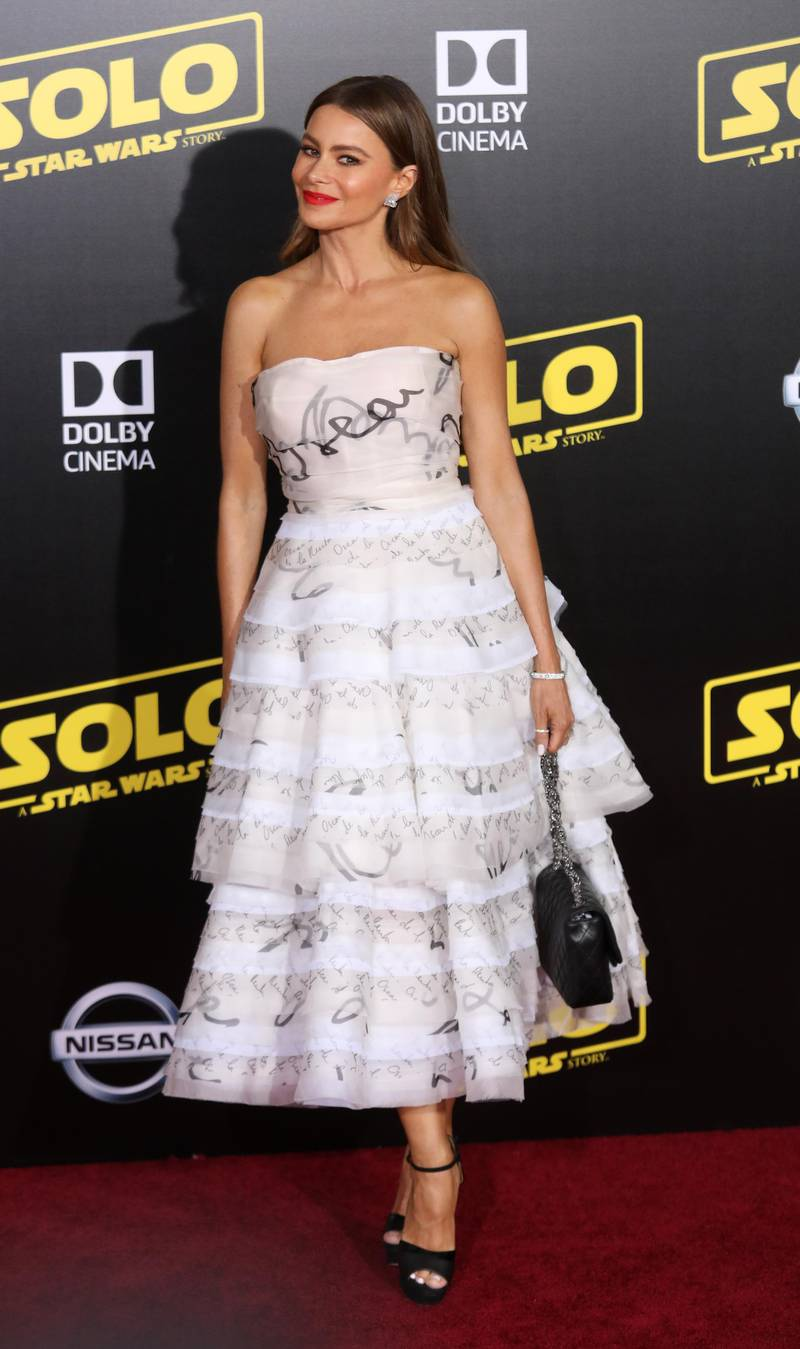 epa06726905 US-Colombian ctress Sofia Vergara poses on the red carpet at the premiere of 'Solo: A Star Wars Story' in Hollywood, California, USA, 10 May 2018.  EPA-EFE/EUGENE GARCIA