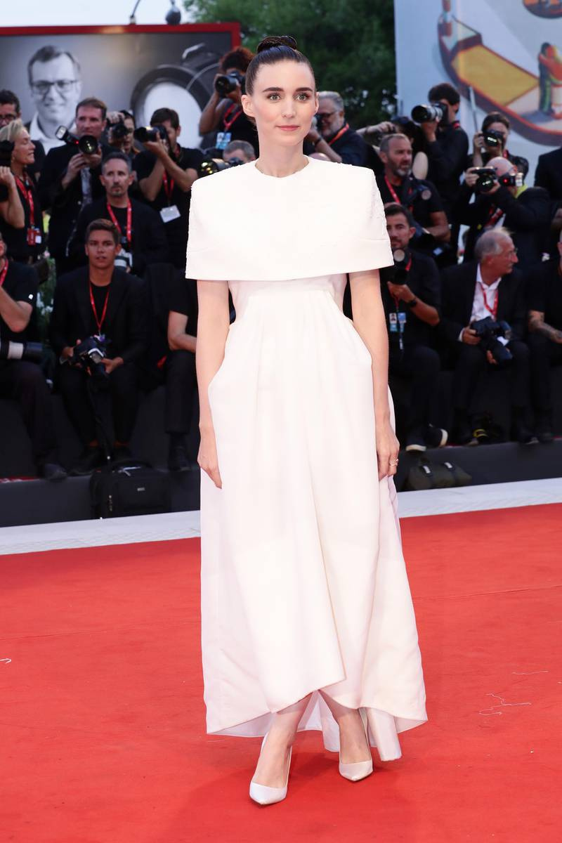 """VENICE, ITALY - AUGUST 31: Rooney Mara walks the red carpet ahead of the """"Joker"""" screening during the 76th Venice Film Festival at Sala Grande on August 31, 2019 in Venice, Italy. (Photo by Vittorio Zunino Celotto/Getty Images)"""