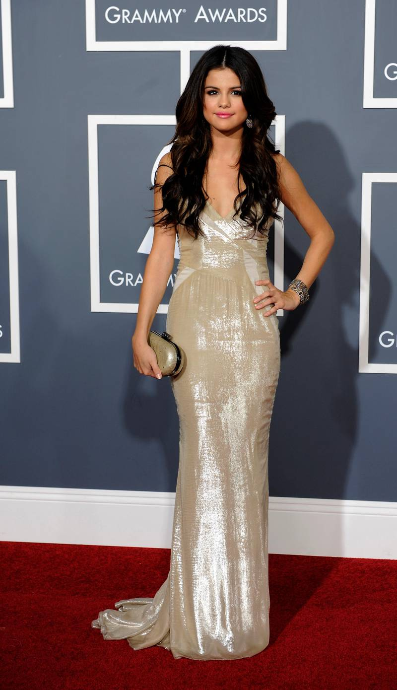 epa02582001 US actress-singer Selena Gomez arrives for the 53rd Annual GRAMMY Awards at Staples Center in Los Angeles, California, USA, 13 February 2011.  EPA/MIKE NELSON