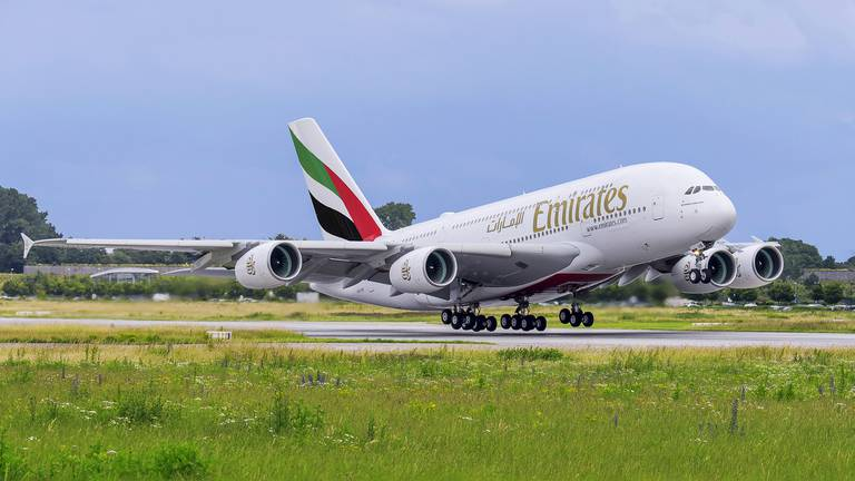 An image that illustrates this article Emirates to fly daily A380 superjumbo to Johannesburg from October