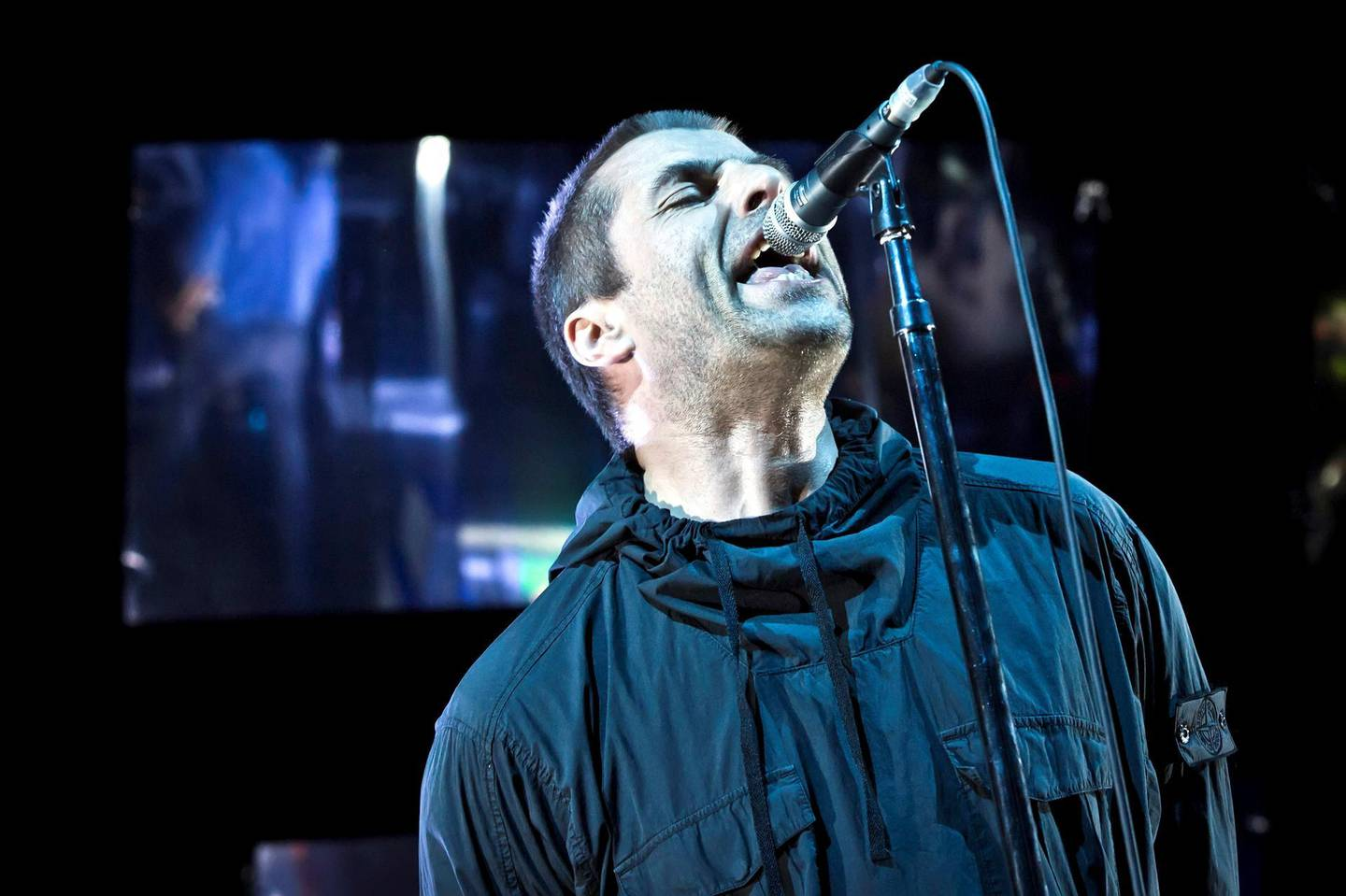 BERLIN, GERMANY - SEPTEMBER 30: British singer Liam Gallagher performs live on stage during 'Die schoene Nacht' at the Tempodrom on September 30, 2017 in Berlin, Germany. (Photo by Frank Hoensch/Redferns)