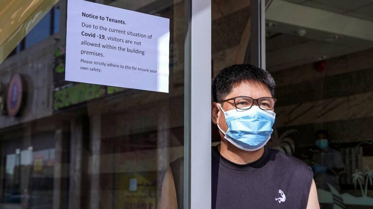 An image that illustrates this article Coronavirus: new UAE cases dip below 300