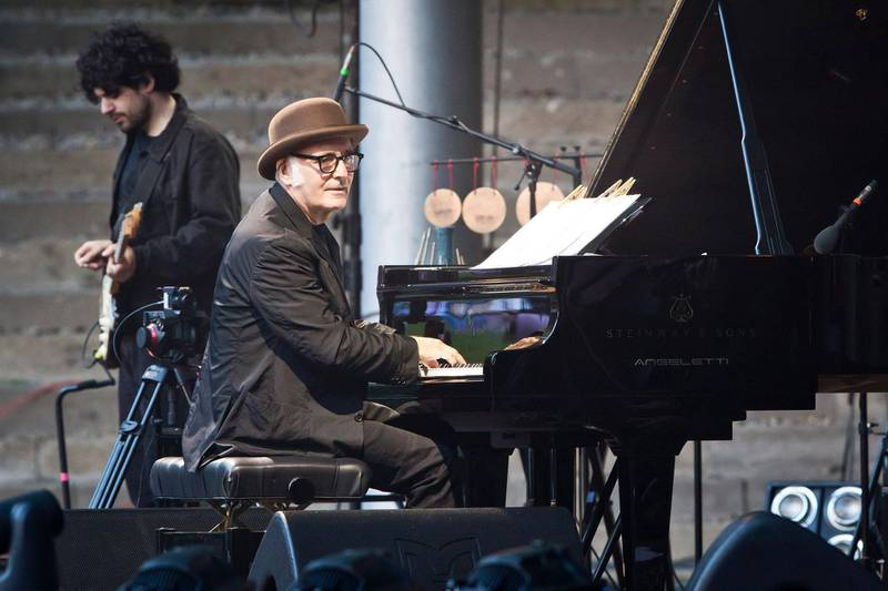 BERLIN, GERMANY - JUNE 04: Italian musician Ludovico Einaudi performs live on stage during a concert at the Waldbuehne on June 4, 2017 in Berlin, Germany. (Photo by Frank Hoensch/Redferns/Getty Images)