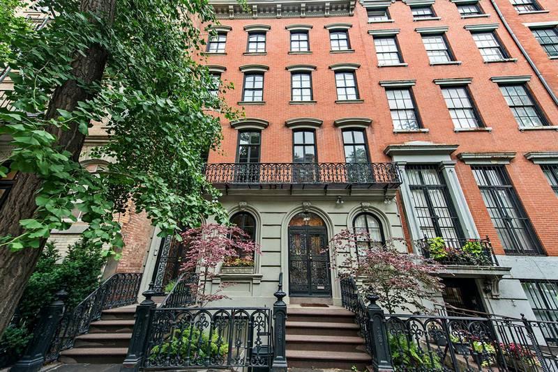 The facade of 123, East 10th Street, Manhattan, New York