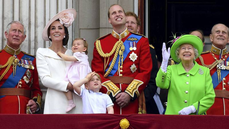 LONDON, ENGLAND - JUNE 11:  (L-R) Prince Charles, Prince of Wales, Catherine, Duchess of Cambridge, Princess Charlotte, Prince George, Prince William, Duke of Cambridge, Prince Harry, Queen Elizabeth II and Prince Philip, Duke of Edinburgh stand on the balcony during the Trooping the Colour, this year marking the Queen's 90th birthday at The Mall on June 11, 2016 in London, England. The ceremony is Queen Elizabeth II's annual birthday parade and dates back to the time of Charles II in the 17th Century when the Colours of a regiment were used as a rallying point in battle.  (Photo by Ben A. Pruchnie/Getty Images)