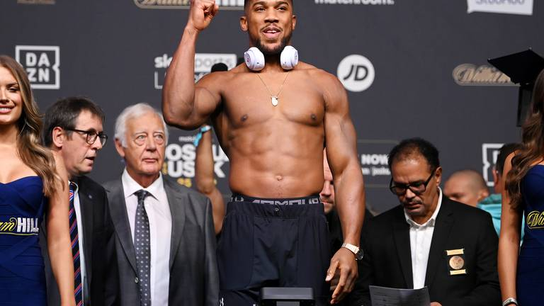 An image that illustrates this article Anthony Joshua warns Oleksandr Usyk: 'I wouldn't like to be him facing me'
