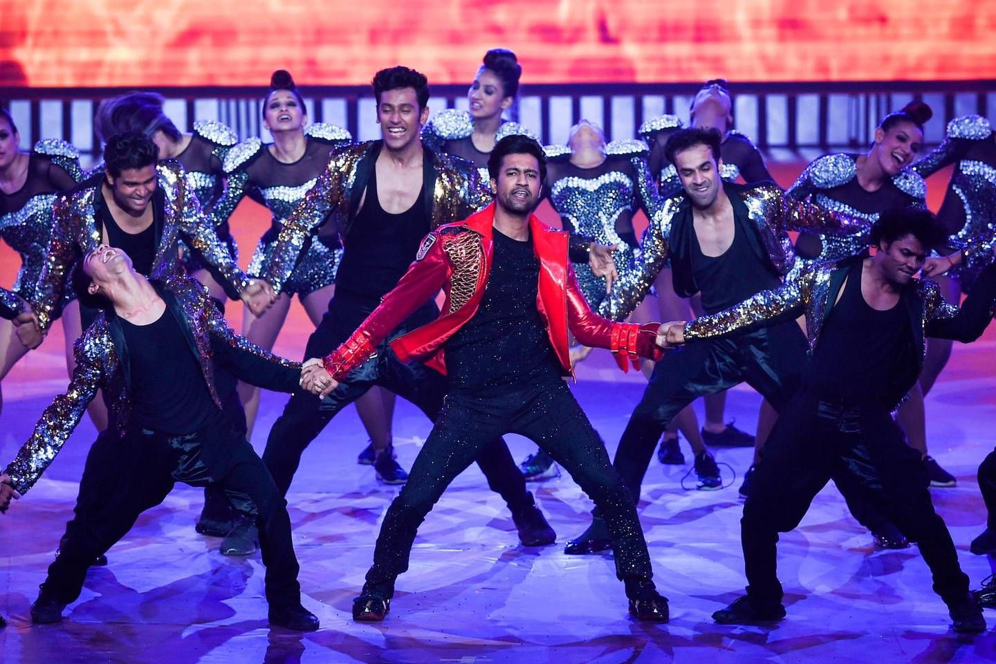 Bollywood actor Vicky Kaushal performs on stage during the 20th International Indian Film Academy (IIFA) Awards at NSCI Dome in Mumbai on September 18, 2019. / AFP / INDRANIL MUKHERJEE