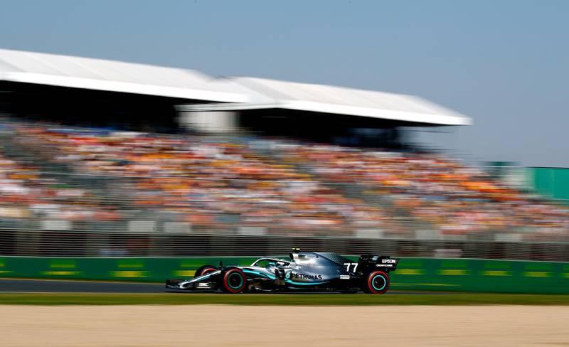 epa07444069 Finnish Formula One driver Valtteri Bottas of Mercedes AMG GP in action during the 2019 Formula One Grand Prix of Australia at the Albert Park Grand Prix Circuit in Melbourne, Australia, 17 March 2019.  EPA/DIEGO AZUBEL