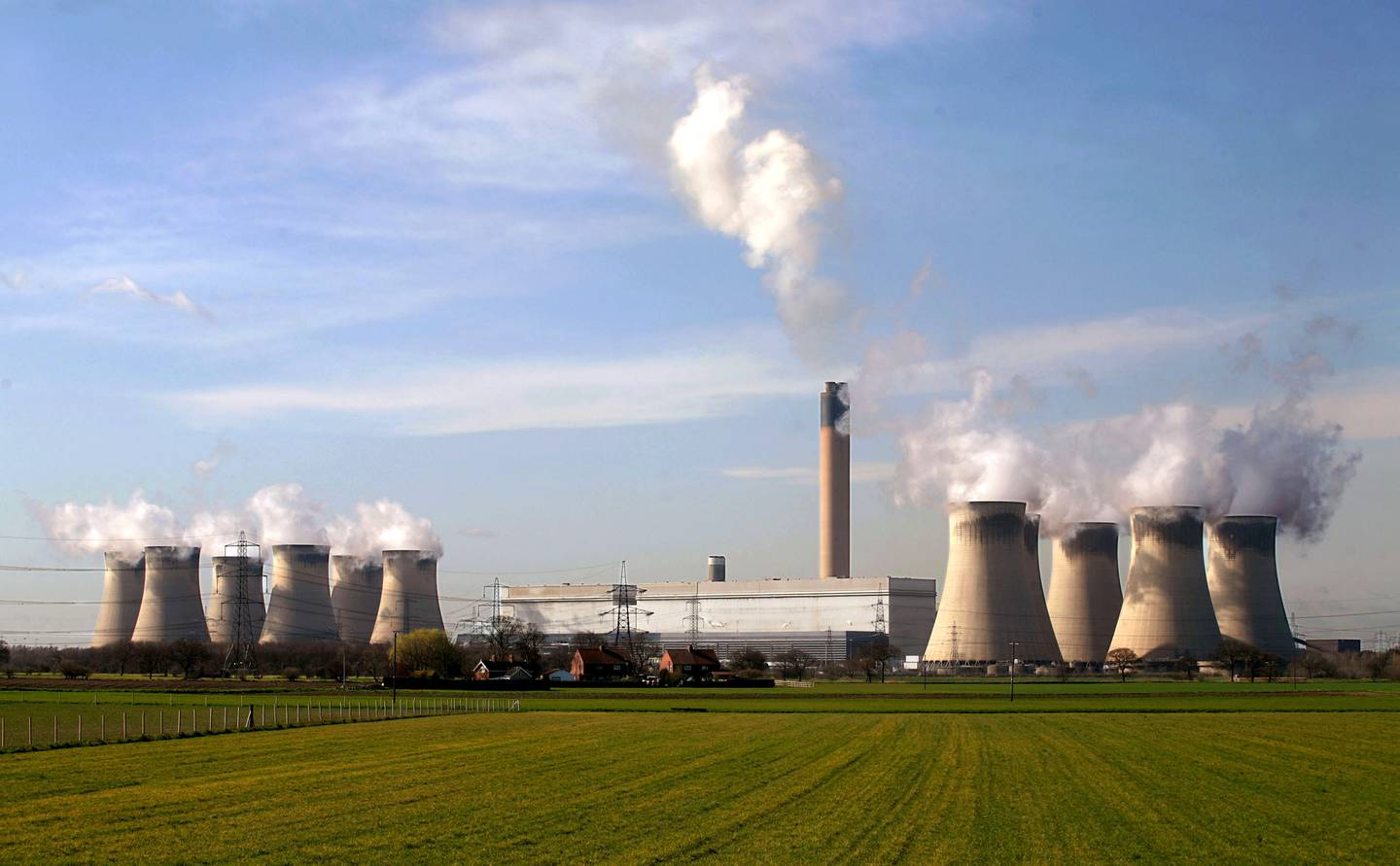 Cooling towers seen at the Drax Power station near Selby in north Yorkshire, U.K., Tuesday, March 13, 2007. Photographer: Graham Barclay/Bloomberg News