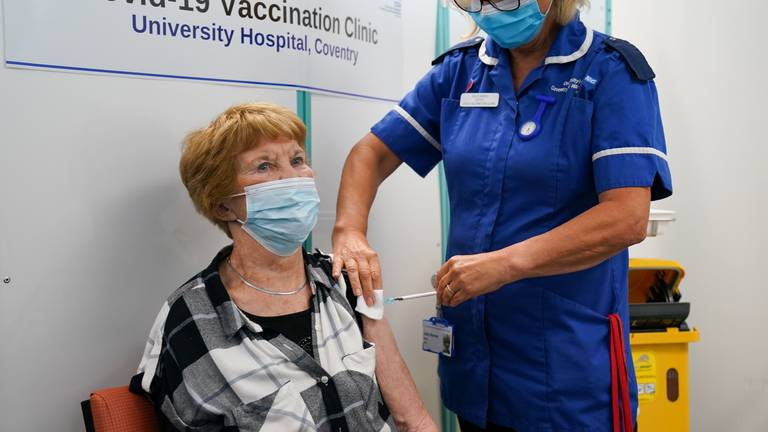 An image that illustrates this article First woman to get Covid vaccine receives booster shot